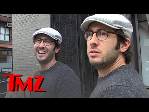 Josh Groban, Is He A Morning Pooper Or Night Pooper? | TMZ