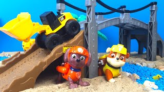 Playdoh Play Paw Patrol Rescue Ducks with Rubble Zuma Mighty Machines Construction Front Loader