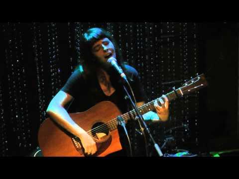 Frances Quinlan (Hop Along) - Carry The Zero (Built To Spill) Philadelphia,Pa 9.10.15
