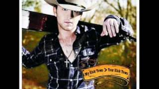 JUSTIN MOORE-SMALL TOWN USA