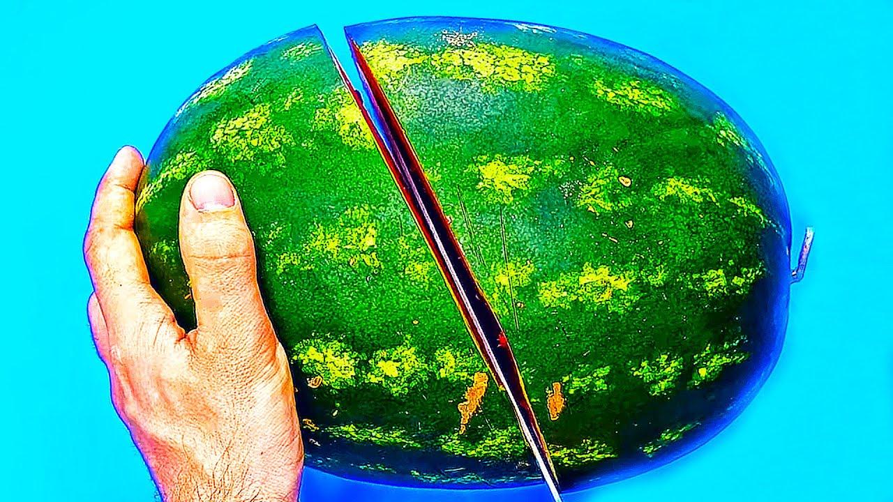 Како да послужите лубеница и уште неколку трикови за кул летна забава