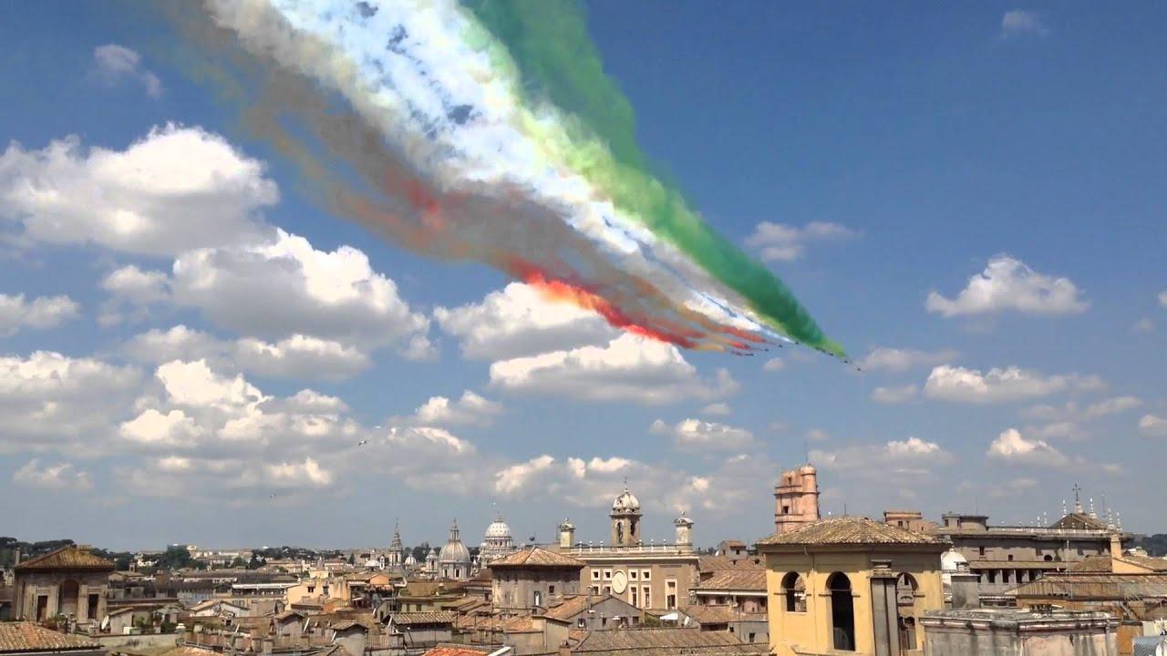 Frecce Tricolori Su Roma 2 Giugno 2014 Youtube