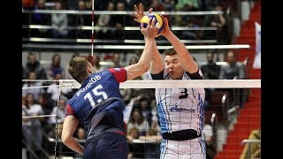 Дмитрий Волков забивает сложный мяч