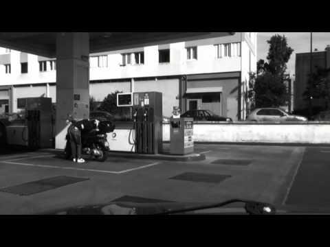 Bordeaux, A l'ombre de nous, station service du Grand Parc,18h, 27 mai 2012
