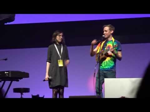 Dodie and Jon @VidConEU - Tourist: a love song/non love song