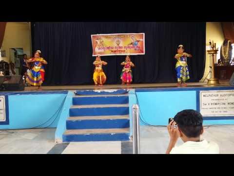 Thodayam bharathnatyam guruvayur arangetram by Tejaswini