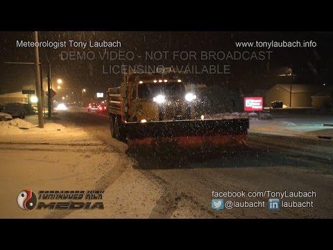02/28/2015 Pinckneyville, IL - Nighttime Snows