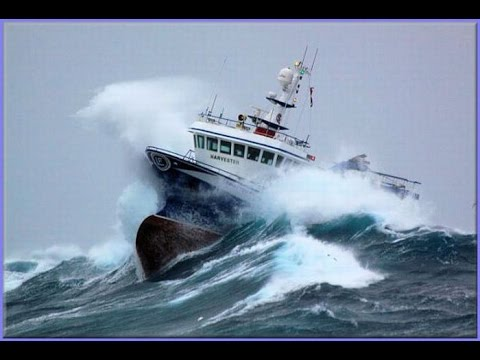10 TOP SHIP IN STORM COMPILATION  -MONSTER WAVES