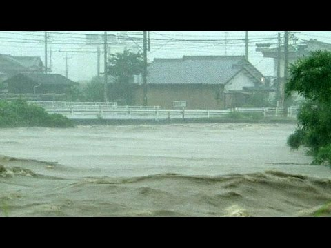 Typhoon Halong slams into Japan
