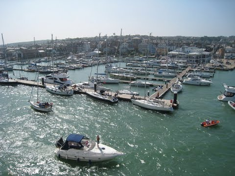 Places to see in ( Cowes - UK )