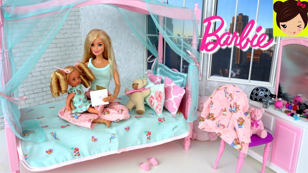 Rutina de Noche de Barbie y La bebe Kelly - Barbie Cuida Baña a ...