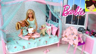 Rutina de Noche de Barbie y La bebe Kelly - Barbie Cuida Baña a Hermanita Kelly