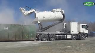 Der BlowVac BackLift 8200 im harten industriellen Einsatz, in einem...