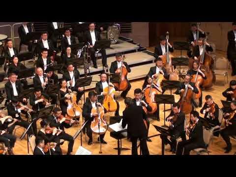 Китайский симфонический оркестр играет на бис