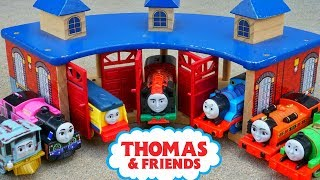 Thomas and Friends Trackmaster Island of Sodor Outside Track Building Yong Bao Nia Rebecca