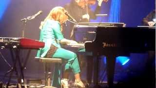 Tori Amos & Apollon Musagete - Shattering Sea [] Way Down [] Suede (Amsterdam, NL 2011-10-17)