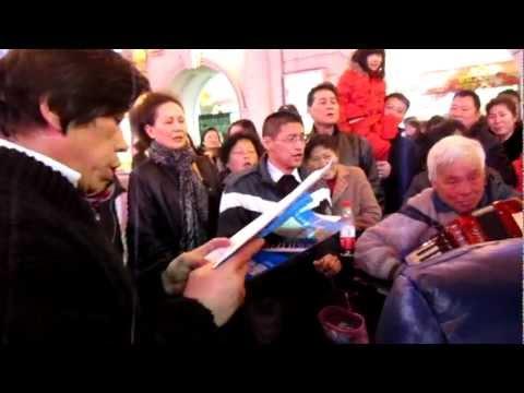 Street Singers in Shanghai 1 January 2012