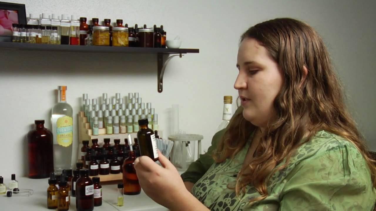 3 Ways to Make a Natural Perfume - wikiHow
