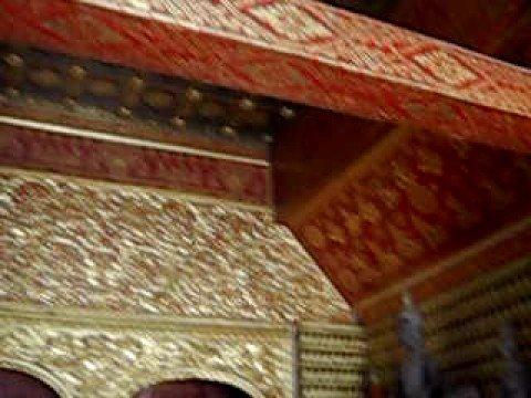 Luang Prabang (Laos) - Il Wat Xieng Thong (2) -  Buddha disteso