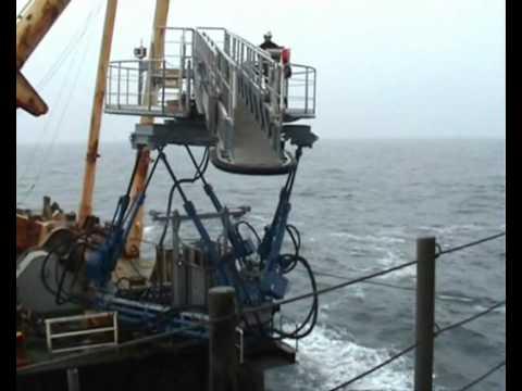 Ampelmann platform removal offshore access