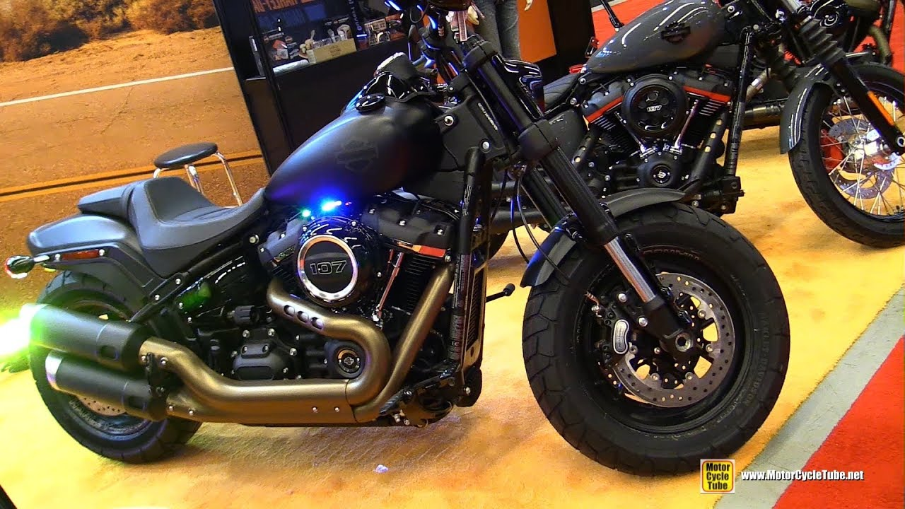 2018 harley davidson fat bob customized walkaround 2018 montreal motorcycle show youtube. Black Bedroom Furniture Sets. Home Design Ideas