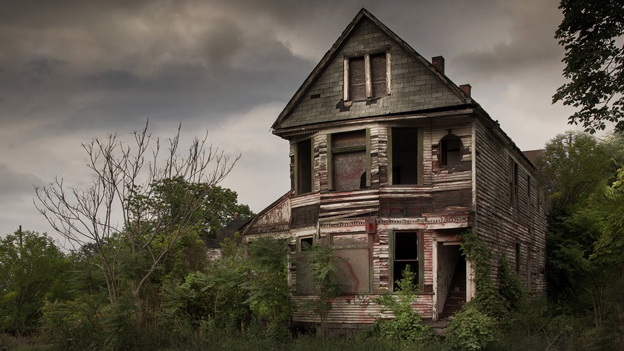 Hauntingly Beautiful Abandoned Houses Across America