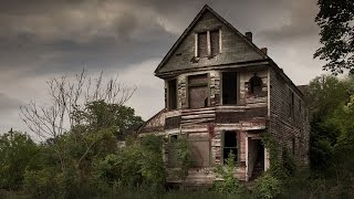 """Hauntingly Beautiful"" - Abandoned houses across America"