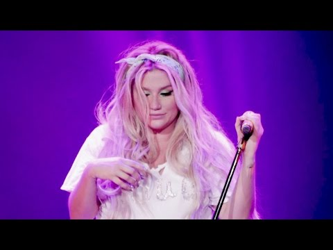 Kesha - Jealous (Nick Jonas Cover) Live In Shanghai