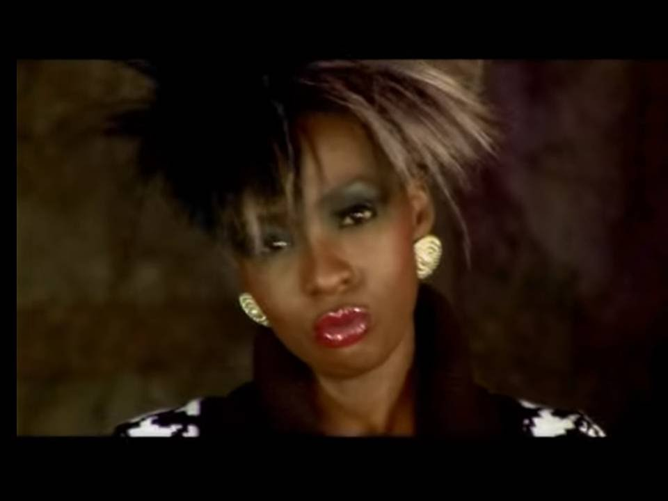 Download CINDY SANYU - ONE & ONLY(official video)