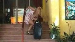 2 Sexy Blondinen machen Urlaub im Hotel Kalura Cefalu