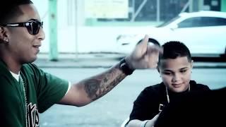Download J Alvarez - Caminando por la Calle ft. Xavi the Destroyer & Ñengo Flow MP3 song and Music Video