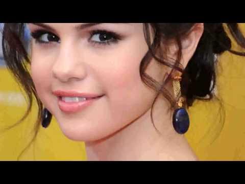Selena Gomez  -Pics- !!! (2010)