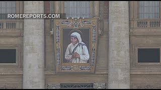 the image of mother teresa of calcutta overlooks st peter s square