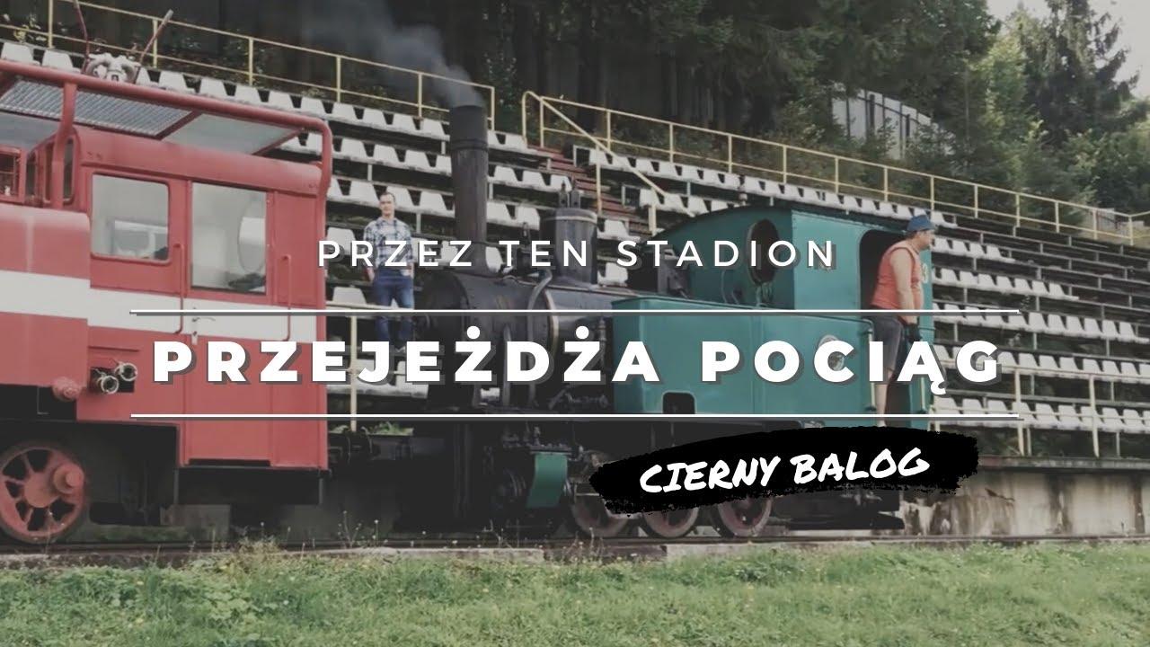 Stadion, przez który przejeżdża pociąg   Tatran Čierny Balog