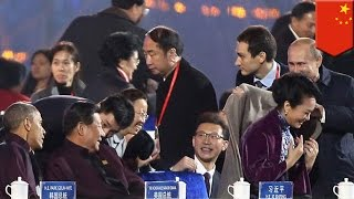 APEC romance: Putin puts the moves on Xi Jinping's wife, angers Chinese censors