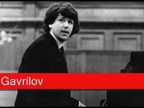 Andrei Gavrilov: Bach - French Suit No. 5 in G, 'Sarabane' BWV 816