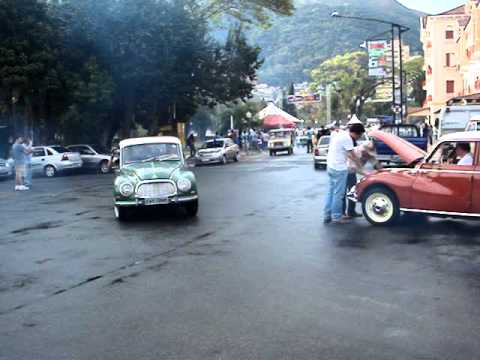 Encontro Nacional de DKW - Desfile - Agosto 2011.MPG