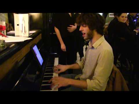 FAIRYTALE OF NEW YORK (COVER)  LIAM ON PIANO @ THE ROSIE