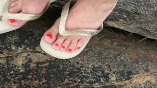 1b378cc81f097 havaianas flip flops gold ouro 35 36 ---02