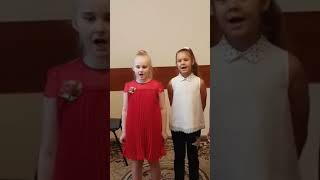 5 Музыкальное занятие ( обучение детей игре на фортепиано ).