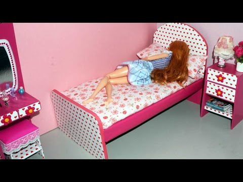 How to make a cardboard bed for dolls - miniature crafts DIY *no hot glue gun*