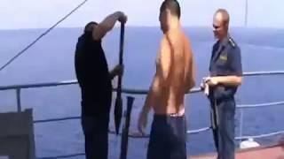Cướp biển Somali cướp nhầm tàu chiến của nga và cái kết