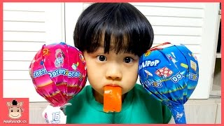 대형 사탕 화이트데이 선물 받은 유니 미니 ♡ 도라에몽 초대형사탕 어린이 먹방 놀이 Learn Colors Kids Toys | 말이야와아이들 MariAndKids