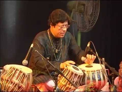 Tabla Maestro Pandit Anindo Chatterjee at Dumru 11