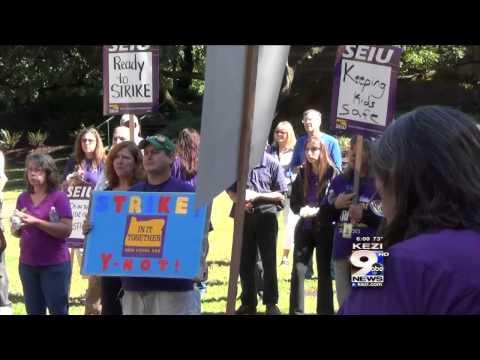 UO Employees Threaten to Go on Strike