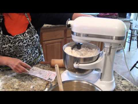 Cooking with Leslie- Soft Butter Dinner Rolls