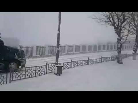 Грузовики на Горсаде в Улан-Удэ буксуют на подъёме