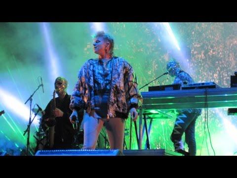 Röyksopp & Robyn - Do It Again Tour (Live at Øyafestivalen, Oslo)