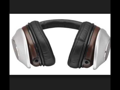 Denon AH D7100 Music ManiacTM Over Ear Headphones, Silver