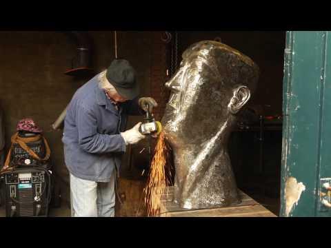 Egbert J. Bos creates a metal welding sculpture: Head